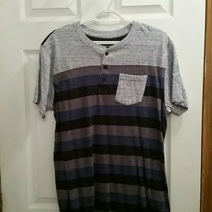 Like new men's Henley